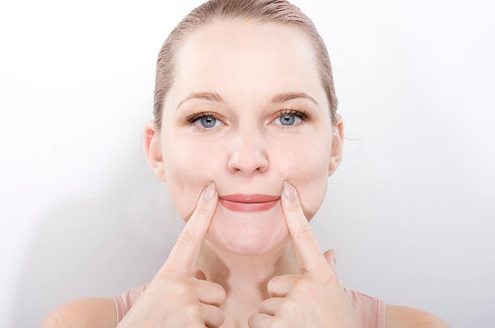 Как подтянуть овал лица после 50 лет? Самые эффективные процедуры в 2020 Фото-2