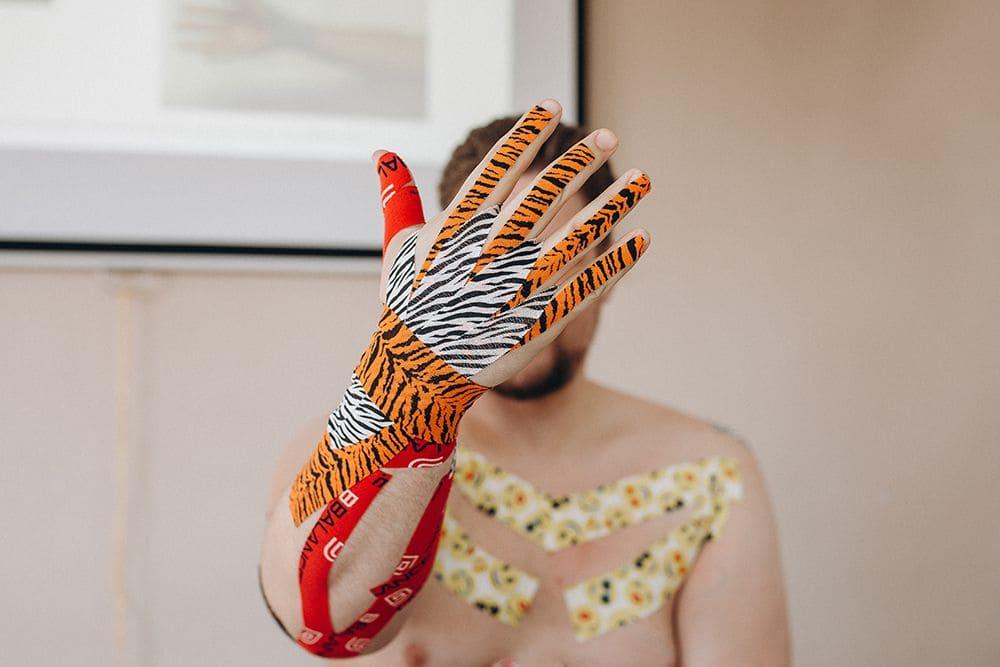 Кинезиотейпирование пальцев руки Фото-3